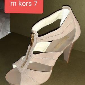 Michael Kors size 7 heels